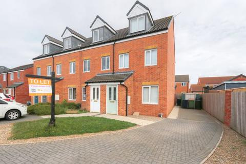 3 bedroom end of terrace house to rent - St. Albans Close, Redcar, TS10