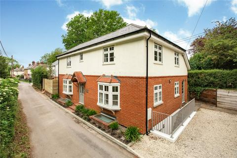 3 bedroom detached house for sale - Mount Pleasant, Kings Worthy, Winchester, Hampshire, SO23
