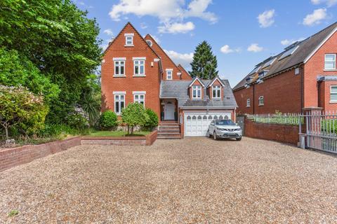 5 bedroom detached house for sale - Egham Hill, Egham, Surrey, TW20