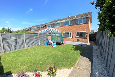 3 bedroom semi-detached house for sale - Grebe Close, Abbeydale, Gloucester