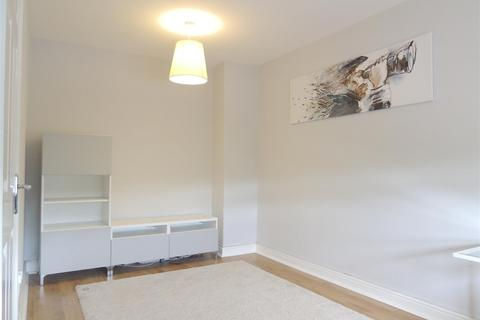 2 bedroom terraced house to rent - Swan Close,