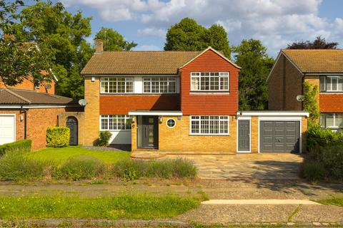 4 bedroom detached house for sale - Mospey Crescent, Epsom