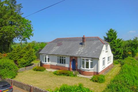 3 bedroom detached bungalow for sale - Newport Road, Crymych