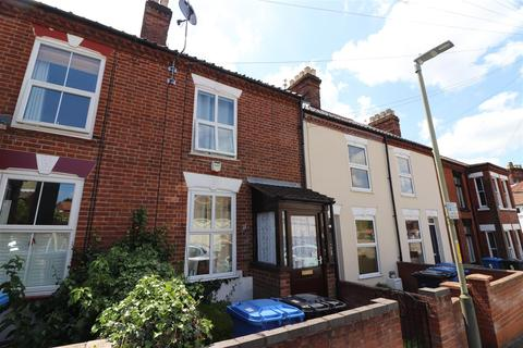 3 bedroom terraced house for sale - Churchill Road, Norwich