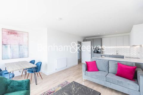 2 bedroom apartment to rent - Accolade Avenue, Southall, UB1