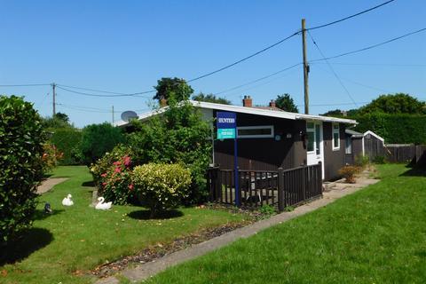 2 bedroom bungalow for sale - Sandy Acre Chalet Site, Roman Bank, Chapel St. Leonards, Skegness, PE24 5QY