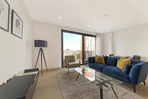 2 bedroom flat to rent - Legacy Building, Embassy Garndens, London, SW11
