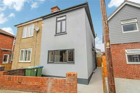 3 bedroom semi-detached house for sale - Henry Road, Southampton, Hampshire, SO15