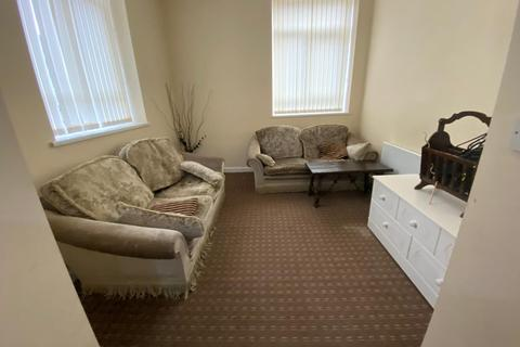 2 bedroom apartment to rent - commercial STREET