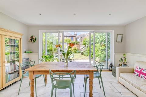 4 bedroom semi-detached house for sale - Heythorp Street, SW18