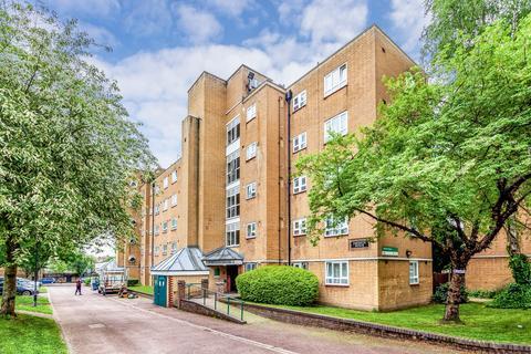 3 bedroom flat for sale - Mayville Estate, Dalston, N16