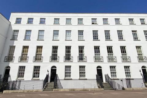 2 bedroom flat for sale - Albion Street, Cheltenham