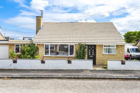 4 bedroom detached bungalow for sale - Rose Close, Carterton, Oxfordshire OX18