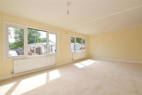 2 bedroom park home for sale - Sunset Drive, Havering-Atte-Bower, Romford, Essex
