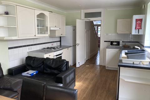 5 bedroom terraced house to rent - Hollingbury Road, BRIGHTON BN1