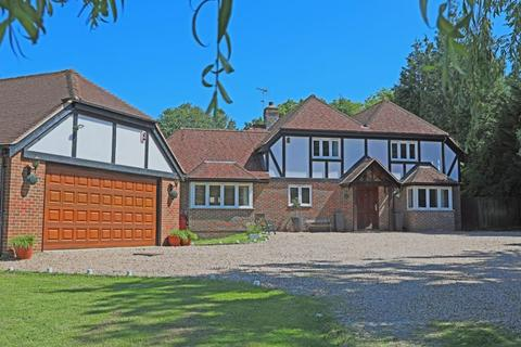 5 bedroom detached house for sale - CUCKFIELD