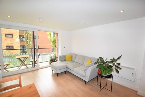 2 bedroom apartment for sale - Hall Lane, Manchester, M23