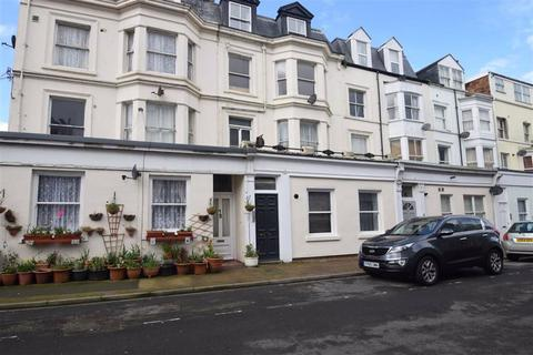 2 bedroom flat for sale - South Street, Scarborough, North Yorkshire, YO11