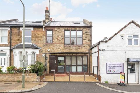 Property to rent - Percy Road, North Finchley