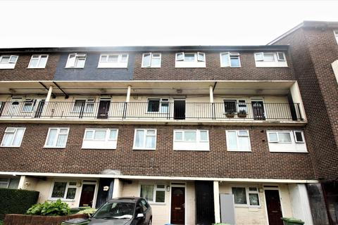 3 bedroom flat for sale - Sewell Road, Abbey Wood, London, SE2 9DL