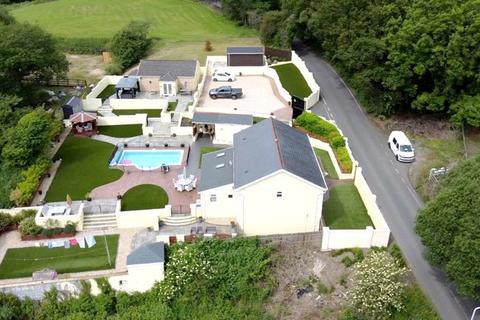 4 bedroom property with land for sale - Crymlyn Road, Llansamlet, Swansea. SA7 9YD