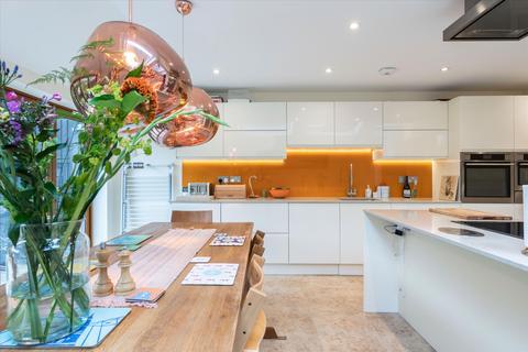 4 bedroom terraced house for sale - Worlingham Road, East Dulwich, London, SE22