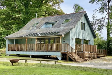 3 bedroom detached house for sale - Hellandbridge
