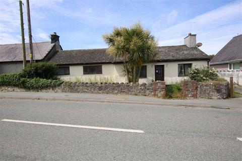 3 bedroom property for sale - Rhosybol Amlwch, Anglesey, LL68