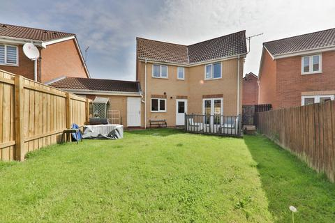 4 bedroom detached house for sale - Dovestone Way, Kingswood, Hull, East Yorkshire, HU7