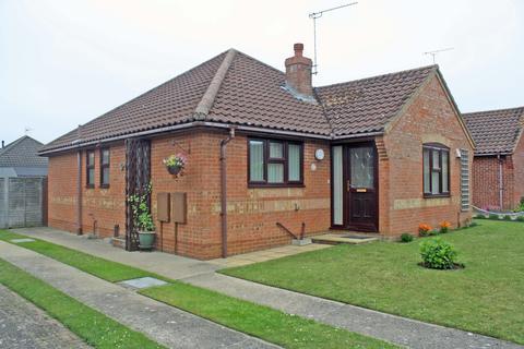 3 bedroom detached bungalow for sale - Hawthorn Walk, Holt NR25