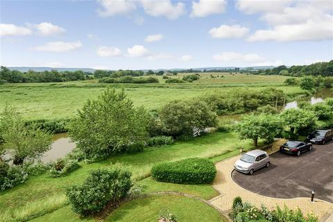 1 bedroom flat for sale - Station Road, Pulborough, West Sussex