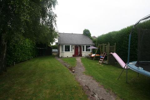 2 bedroom detached bungalow for sale - oakfield road, Chester, Cheshire. CH1