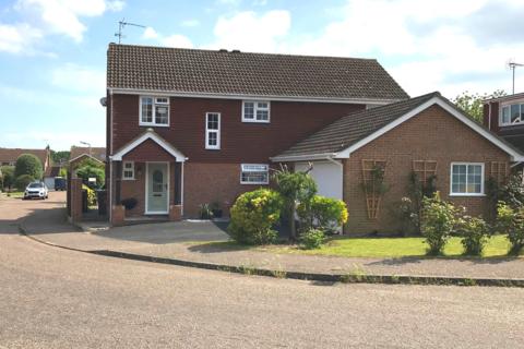 5 bedroom detached house to rent - Ramsden Heath