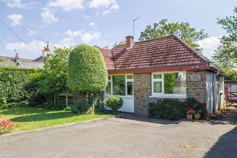 4 bedroom detached bungalow for sale - South Road, Sully