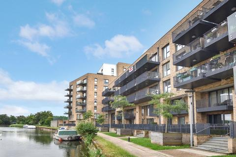 3 bedroom flat for sale - Carrick Court, Bromley-by-Bow E3