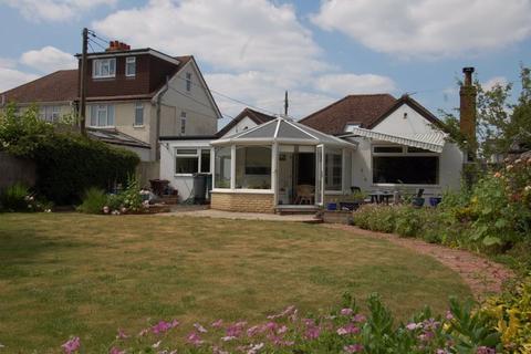 3 bedroom detached bungalow for sale - Churchill Road KIDLINGTON