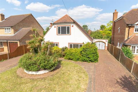 4 bedroom house for sale - Weston Avenue, West Molesey