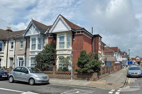4 bedroom end of terrace house for sale - Montague Road, Portsmouth