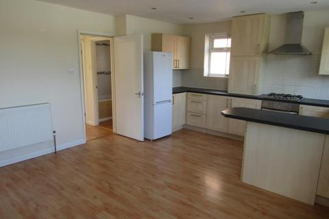 2 bedroom flat to rent - Gayer Street, Little Heath,