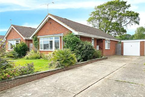 3 bedroom bungalow for sale - Woodlands Close, Angmering, West Sussex