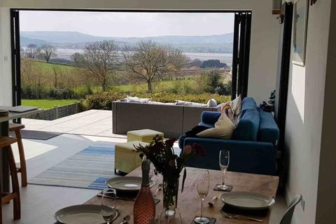 3 bedroom detached house to rent - Stunning Short Term/ Holiday Let Available 2nd October 2021