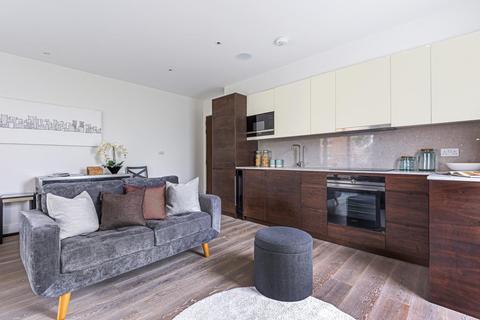 2 bedroom flat for sale - Berwick Close, West Ealing