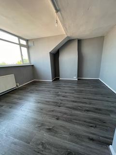 2 bedroom terraced house to rent - Brownhill Crescent,  Leeds, LS9