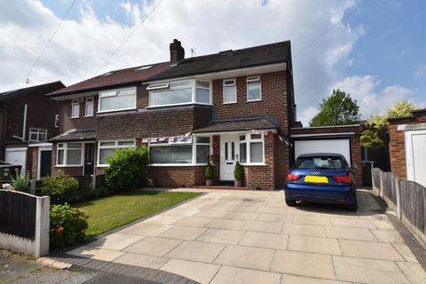 4 bedroom semi-detached house for sale - Cumberland Road, Urmston, M41