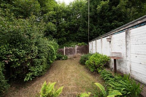 3 bedroom semi-detached house to rent - Whitehouse Avenue, Manchester