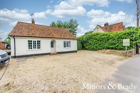 3 bedroom detached bungalow for sale - Station Road, North Elmham