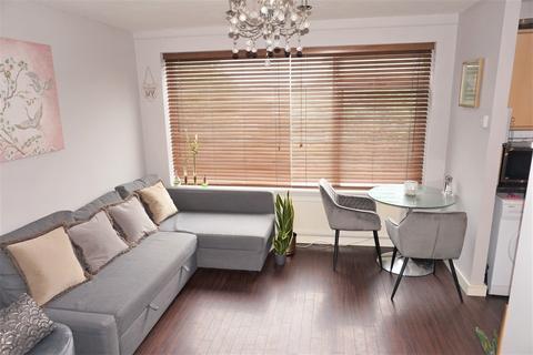 1 bedroom flat for sale - Herron Court, 82 Westmoreland Road