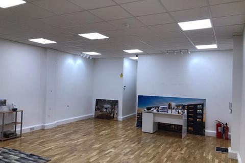 Property to rent - Commercial Units in Stevenage Shopping Centre - Offers Invited