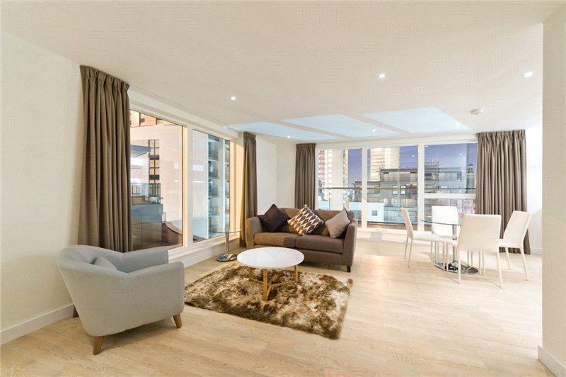 2 Bedrooms Flat for sale in Bridgeman House, Pump House Crescent, Brentford, Middlesex