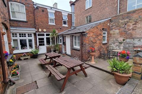 1 bedroom property to rent - High Street, Lye, Stourbridge